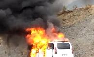 Alanya'da araç cayır cayır yandı!