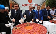 Antalya'da Cumhurbaşkanlığından aşure ikramı