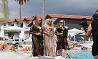 Finli güzeller Alanya'da kampa girdi