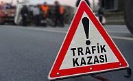 Alanya'da motosiklet otomobille çarpıştı: 2 yaralı