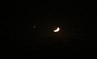 Ay-yıldız geceyi güzelleştirdi
