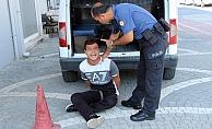 Bankanın vezne camını kırıp 10 bin TL çalan şüpheli tutuklandı