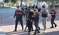 Alanya'da avokado hırsızları tutuklandı