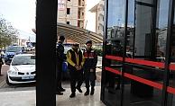 Alanya'da cezaevi firarisi saklandığı sitede yakalandı