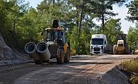 Kırsalda yol genişletme çalışmaları sürüyor