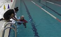 10 bin ev hanımına yüzme öğretilecek