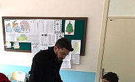 CHP'de gençler empati yaptı