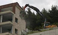 Kaçak yapılar yıkıldı