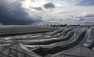 Alanya gece kabusu yaşadı! Güneş panelleri uçtu, seralar yerle bir oldu