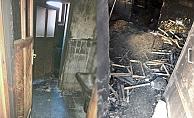 Alanya'da çıkan yangında 2 katlı müstakil ev küle döndü