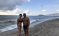 Alanya'da Rus turistler soğuk havaya aldırış etmedi!