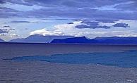 Antalya Körfezi iki ayrı renge büründü
