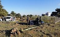 Boş arazide yarı çıplak erkek cesedi bulundu!