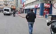 Kaskı olmayan yolcu, yürüyerek yoluna devam etti