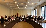 Ak Parti'li kadınlarda yeni başkanla ilk toplantı