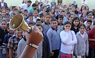 Alanya'da 60 bin öğrenci ders başı yapacak