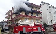 Soba patlaması sonucu çıkan yangında ev kullanılmaz hale geldi