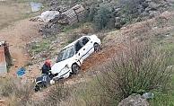 'U' dönüşü yapan otomobile çarpmamak için ölümden döndüler: 1 yaralı