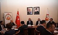 """Vali Karaloğlu: """"Antalya'da 23 milyon kişi otobüse biniyor"""""""