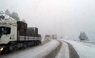 Yola çıkmadan bir kez daha düşünün! Alanya-Konya yolunda yağış esareti