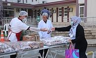 AK Parti'li Çokal'dan sağlık çalışanlarına kahvaltı ikramı