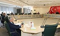 Alanya'da encümen toplantısına koronavirüs mesafesi
