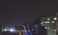 Bir DJ balkonuna kurduğu ses sistemiyle Antalya sokaklarını adeta inletti