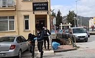 Camiden musluk çalan hırsızlar yakalandı