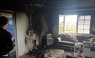 Klima ünitesinden çıkan yangında ev küle döndü