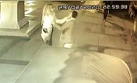 Sokak ortasında kadından erkeğe şiddet
