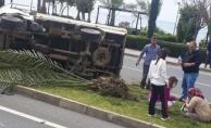 Alanya'da kamyonet devrildi! Sürücü ve eşi yaralandı