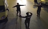 Alanya'da balkondaki vatandaşlar çaldı, polisler oynadı