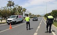 Alanya'da polis ekipleri denetim yaptı!  Yasağa uymayanlar ceza yedi