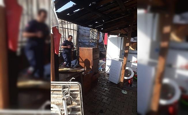 Tarım işçilerinin barakasında yangın