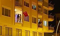 """Antalyalılar """"Memleketim"""" şarkısıyla balkonlara döküldü"""