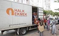 Büyükşehir Belediyesi ücretsiz ekmek dağıtımına devam ediyor