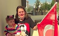 Polisin minik Adem Efe'ye getirdiği polis kıyafeti anneyi gözyaşlarına boğdu