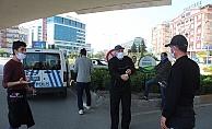 Yasağı delen vatandaşların polisle sigara ve ekmek polemiği