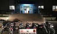 Alanya'da motosiklet hırsızları jandarmadan kaçamadı!
