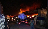 Alevler gökyüzüne yükseldi ardı ardına patlamalar yaşandı