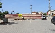 """Gazipaşa'da """"Özel mülküm"""" diyerek kavşağı trafiğe kapattı"""