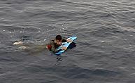 Sörf tahtası ile ölüme yolculuk