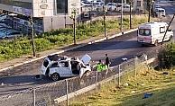 Bariyerleri aşan araç yan yola savruldu: 1 ölü 1 ağır yaralı