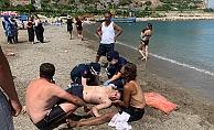 Alanya'da boğulma tehlikesi geçiren genç yaşam savaşı veriyor