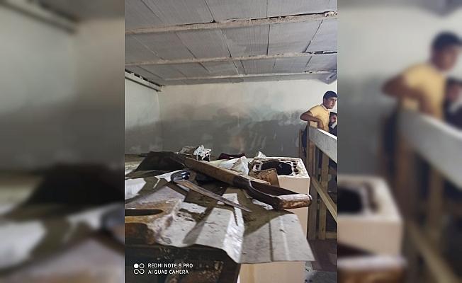Çatı katını stada çevirip horoz dövüştürürken yakalandılar