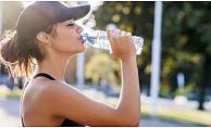 Pet şişede bekleyen suyu içmeyin