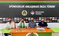 Alanyaspor'da stadyum sponsoru bu sene de değişmedi