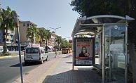 Alanya'da polis afişle 'koronavirüse' dikkat çekti
