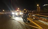 Virajı alamayan motosiklet bariyere çarptı: 1 ölü