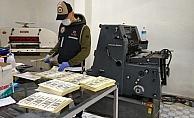 1 buçuk milyonluk sahte doları piyasaya sürmeye çalışan 6 kişi tutuklandı